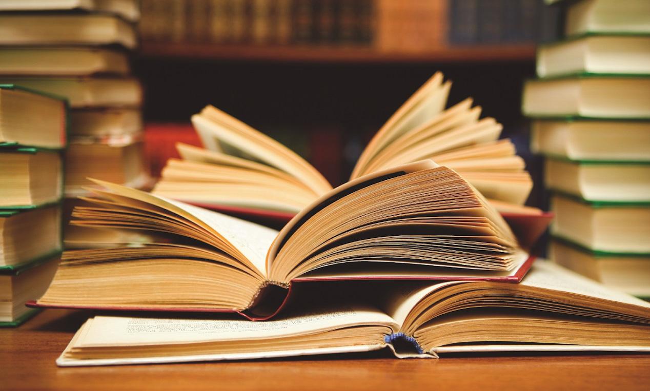 كتب - المغرب - معرض الكتاب - آل سعود