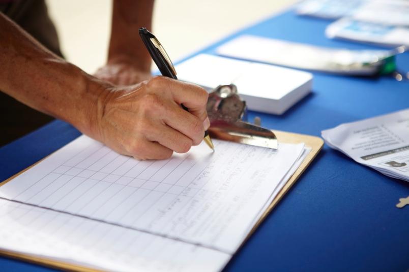 توقيع العرائض